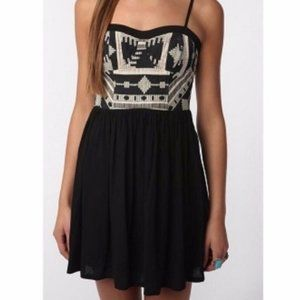 Urban Outfitters Woven Aztec Tribal Midi Dress 10